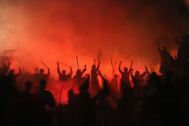 Révolution et lutte non violente